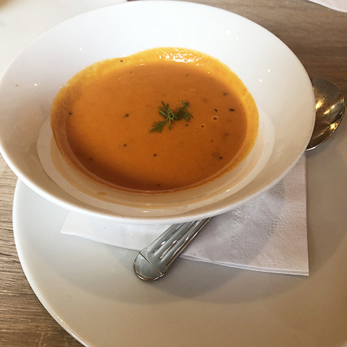 裏ごししたトマトのスープ
