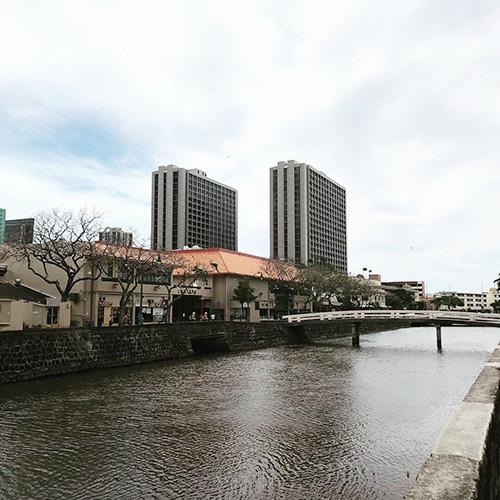 チャイナタウンの川